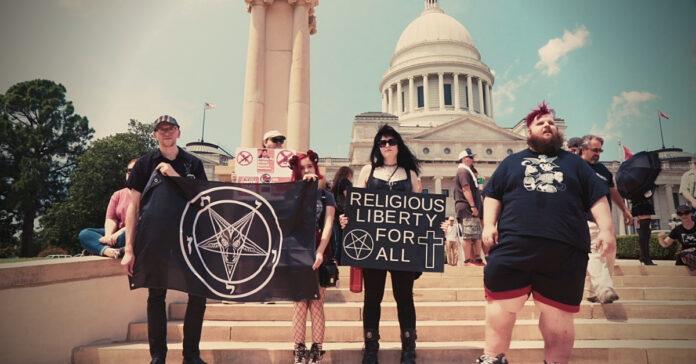satânicos